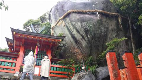 http://rieko-sugihara.com/photo_essay/item/34143593_1327317170746220_6469840044935872512_n_R.jpg